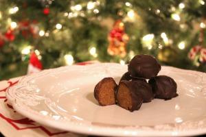 Gingerbread Almond Truffles