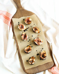 Grilled Figs with Vanilla Balsamic Glaze